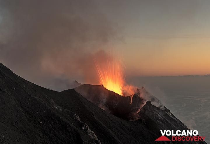 Strombolian eruption from the NE crater of Stromboli volcano (Eolian Islands, Italy) shortly after sunset (8 June 2017) (Photo: Tom Pfeiffer)